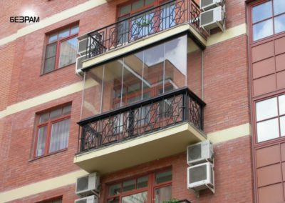 Остекление Акристалия стандартного балкона